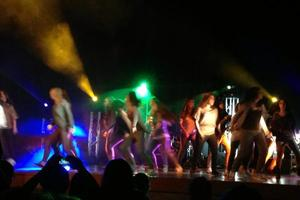 Dance and play for Haiti